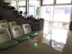 西日本豪雨筒井医院床上膝丈浸水